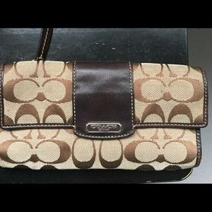 Coach wallet. Good used condition.